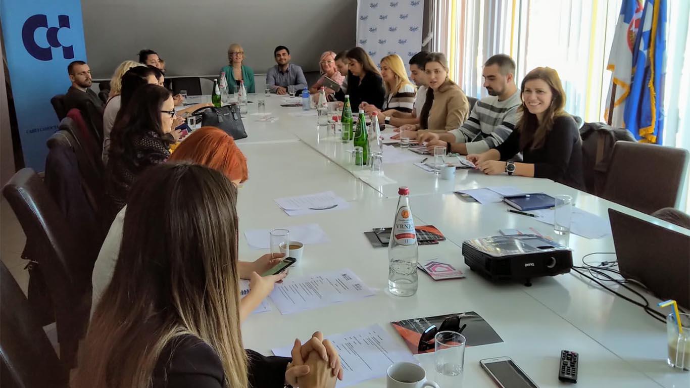 """O projektu """"Prava u radu, rad na pravima"""" i sa predstavnicima Saveza samostalnih sindikata Srbije"""