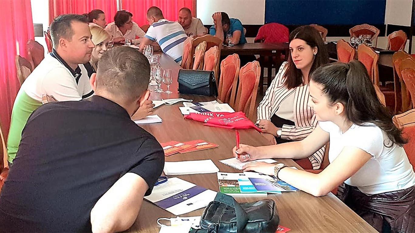 Млади синдикални активисти креирају кампању и локалне активности